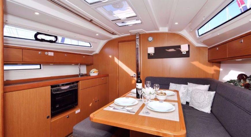 Bavaria Cruiser 41 - 04