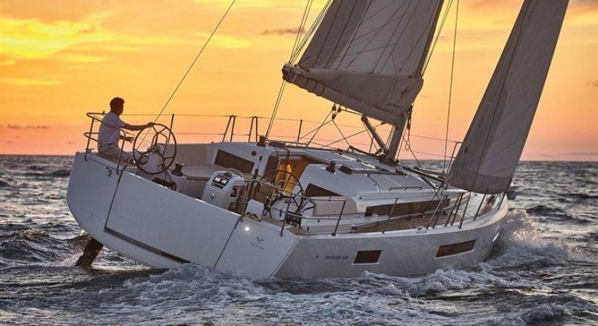 Sun Odyssey 440 - 01